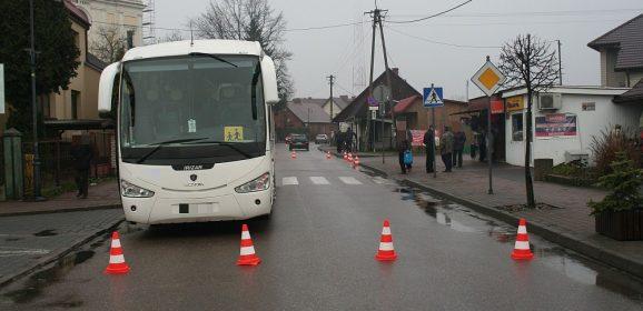 10-letnia dziewczynka wpadła pod autobus